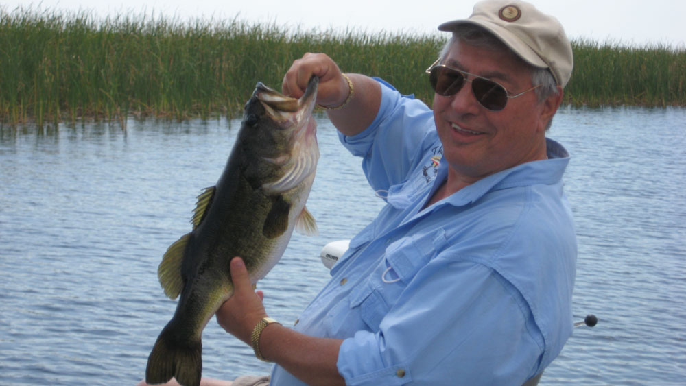 Tony Cavallero catches bass